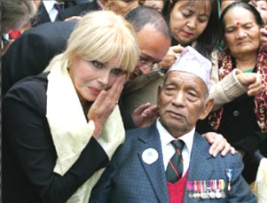 Joanna Lumley with Gurkha veteran